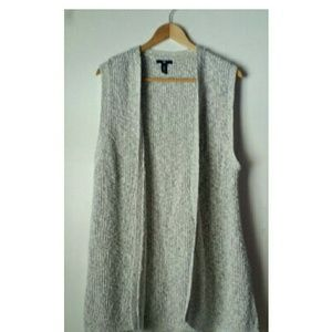 Gap knitted open vest size XL